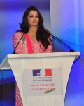 aishwarya-rai-at-french-embassy-11