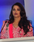 aishwarya-rai-at-french-embassy-15