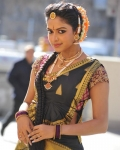 amala-paul-dancing-photos-iddarammayilatho-movie-1