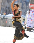amala-paul-dancing-photos-iddarammayilatho-movie-13