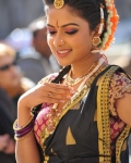 amala-paul-dancing-photos-iddarammayilatho-movie-22