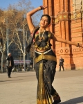 amala-paul-dancing-photos-iddarammayilatho-movie-25