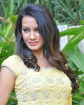deeksha-pantha-new-photos-5