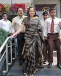 jayapradha-launches-malabar-diamond-show-room-15