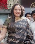 jayapradha-launches-malabar-diamond-show-room-16