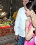 kareena-kapoor-praying-for-heroine-movie-10