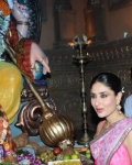 kareena-kapoor-praying-for-heroine-movie-12
