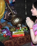 kareena-kapoor-praying-for-heroine-movie-19