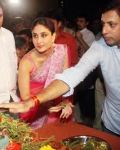 kareena-kapoor-praying-for-heroine-movie-23