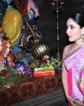 kareena-kapoor-praying-for-heroine-movie-26