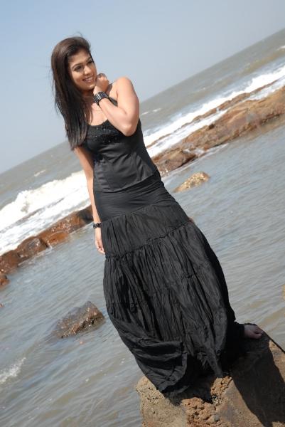 nayanatara-hot-photos-11