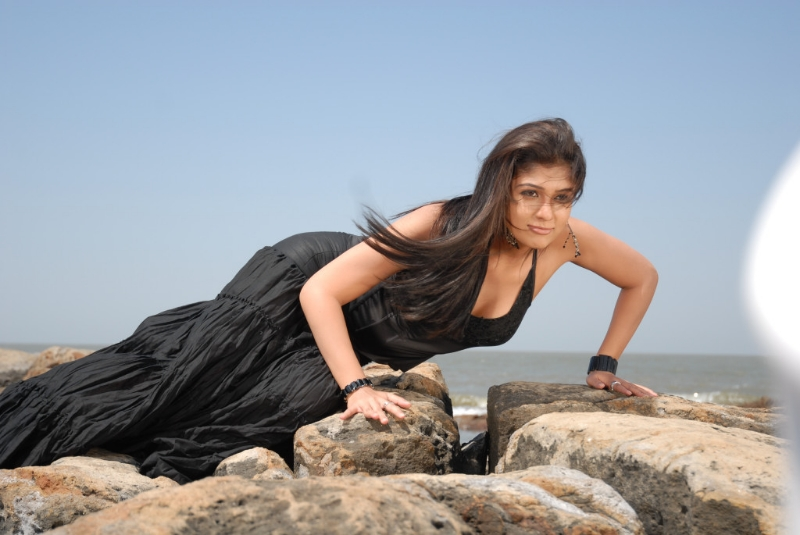 nayanatara-hot-photos-18