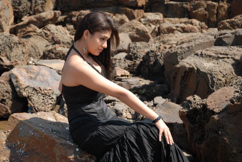 nayanatara-hot-photos-21