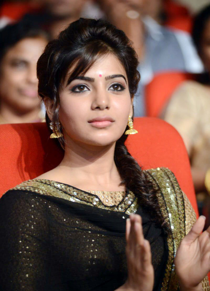 samantha-stills-at-atharintiki-daredi-audio-24