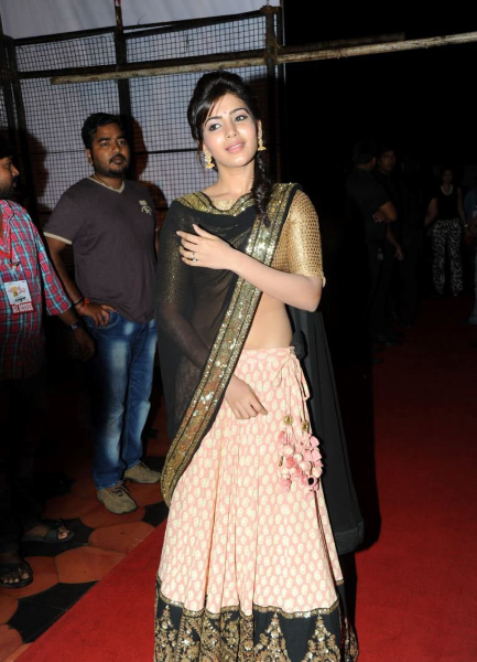 samantha-stills-at-atharintiki-daredi-audio-3