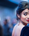 shriya-at-midnights-children-premiere-at-london-2
