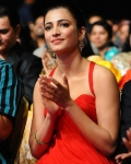 shruthi-hassan-at-asia-vision-moive-awards-5