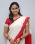 sri-divya-in-saree-photos-14
