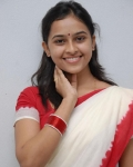 sri-divya-in-saree-photos-16