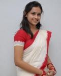 sri-divya-in-saree-photos-18