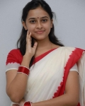 sri-divya-in-saree-photos-8
