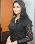 sunaina-latest-stills-1