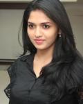 sunaina-latest-stills-8
