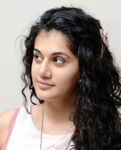 tapsee-photos-in-jeans-1