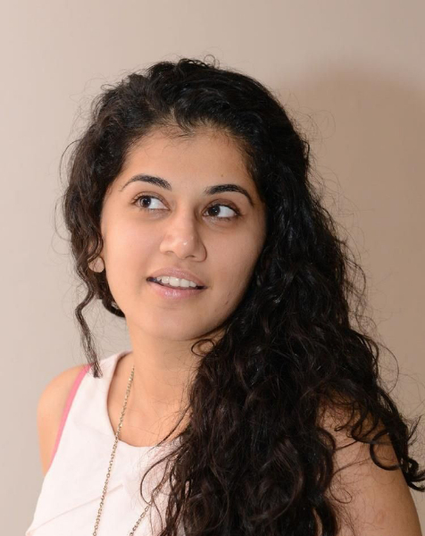 tapsee-photos-in-jeans-24
