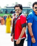 venkatesh-and-ram-masala-movie-new-stills-3