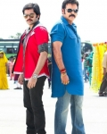 venkatesh-and-ram-masala-movie-new-stills-4