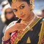 Amala Paul Dancing Photos Iddarammayilatho Movie